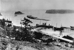 The Nanaimo Dunsmuir Coal Warf. Imagr from www.historytothepeople.ca