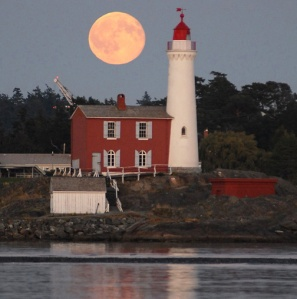 A beautiful shot of the Fisgard with a full moon. Photo by dondenton.ca